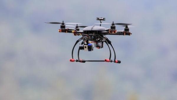 Forsvundet i ti timer: Drone finder barn i kornmark
