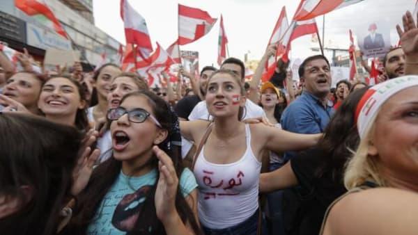Dårlig økonomi giver store demonstrationer i Libanon