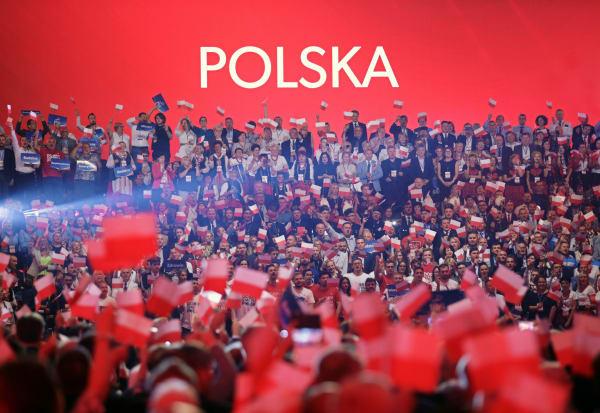 Spørgsmål og svar: Hvad betyder PiS-sejren for Polen og EU?